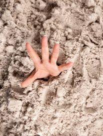 quicksand-hand